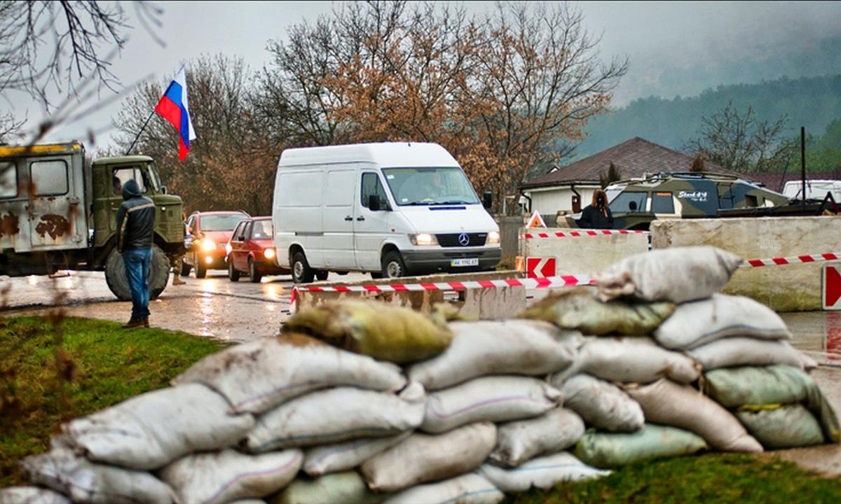 00 Crimea. roadblock. 01.03.14