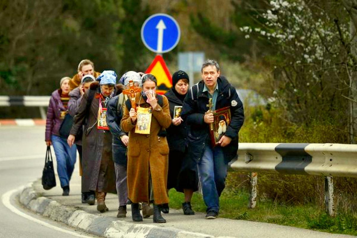 00 Orthodox people in  Yalta. 11.03.14