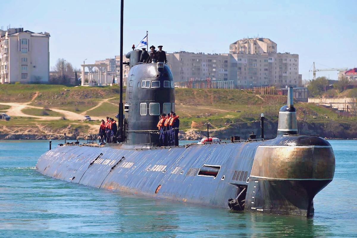 00 Ukrainian submarine Zaporozhe. 29.03.14