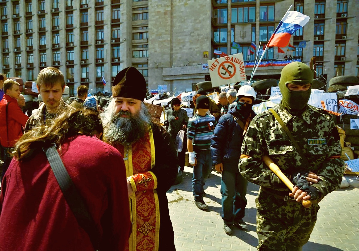 00 Blessing the Patriots in Donetsk 01. 19.04.014