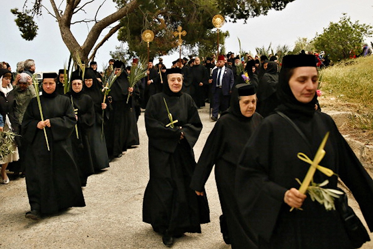 00 Nuns on Mount of Olives. 12.04.14