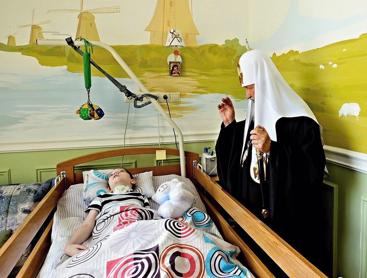 00 Patriarch Kirill. Marfa-mariinskoe Convent. Moscow.  19.05.14