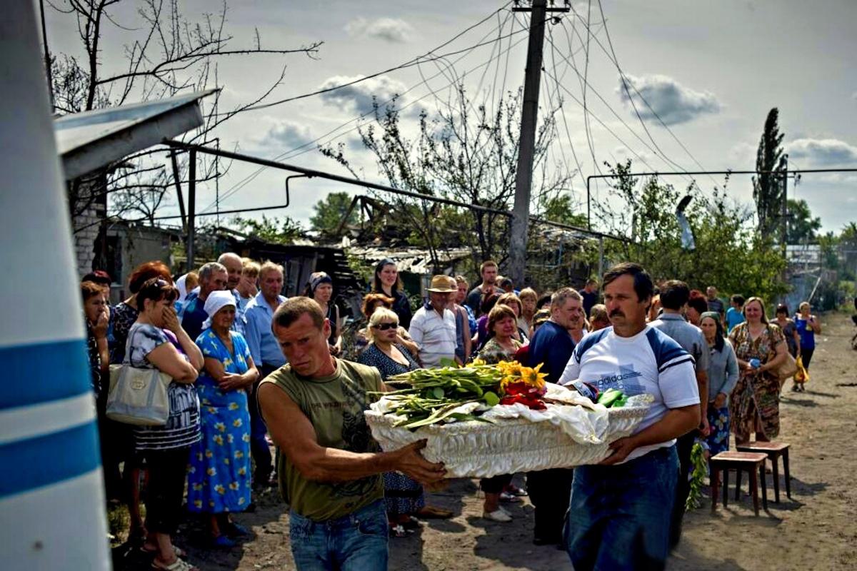 00 Lugansk. dead kid. Novorossiya. 11.06.14