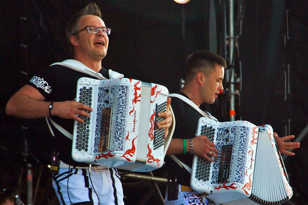 bayan (Russian accordion) | Voices from Russia