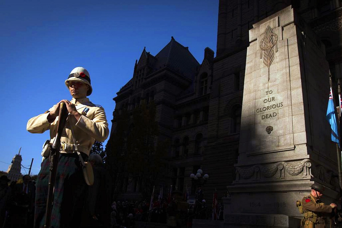 00 cenotaph. toronto. old city hall. 12.11.14