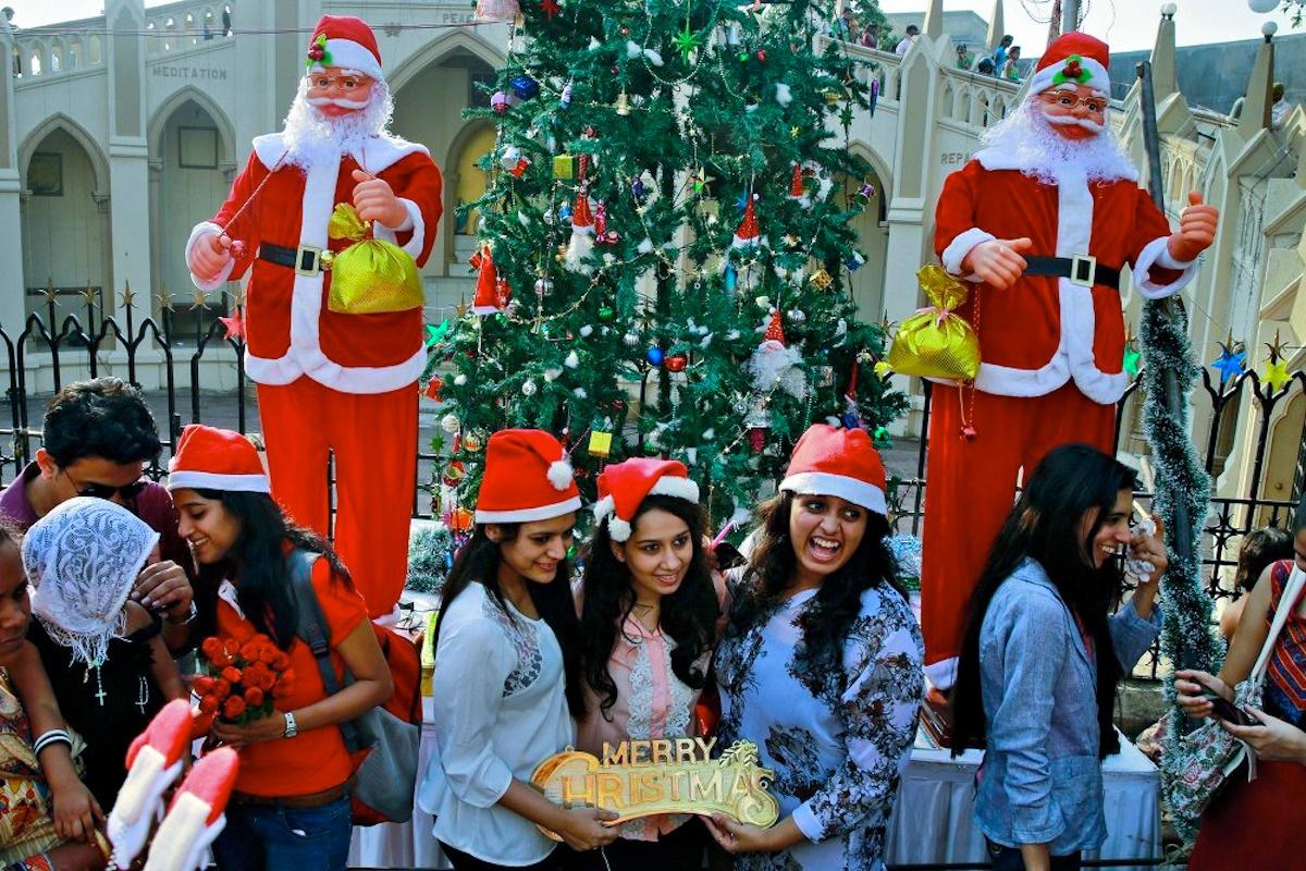 00 Christmas Spirit 12. Mumbai INDIA. 25.12.14