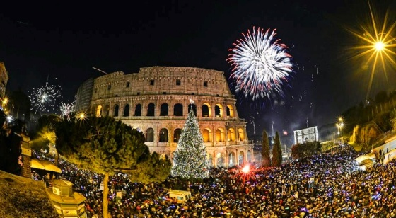 00 fireworks new year 07. Rome Italy. 02.01.15