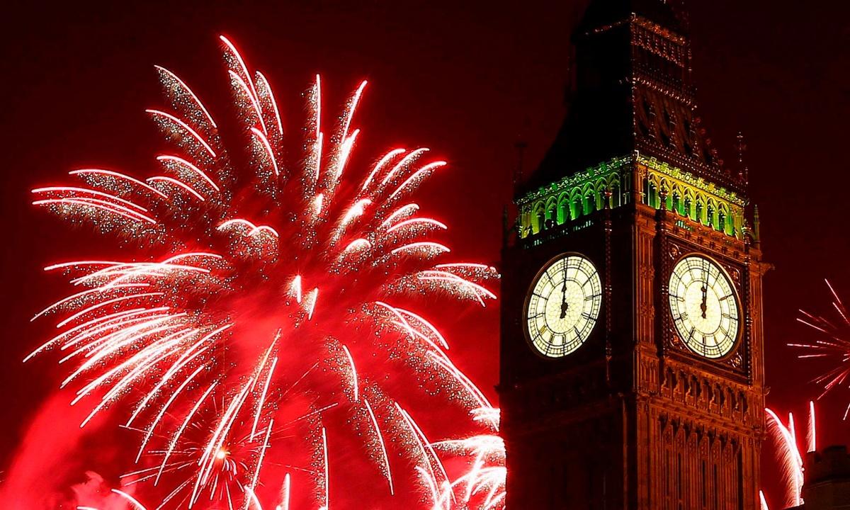 00 fireworks new year 08. London england UK. 02.01.15