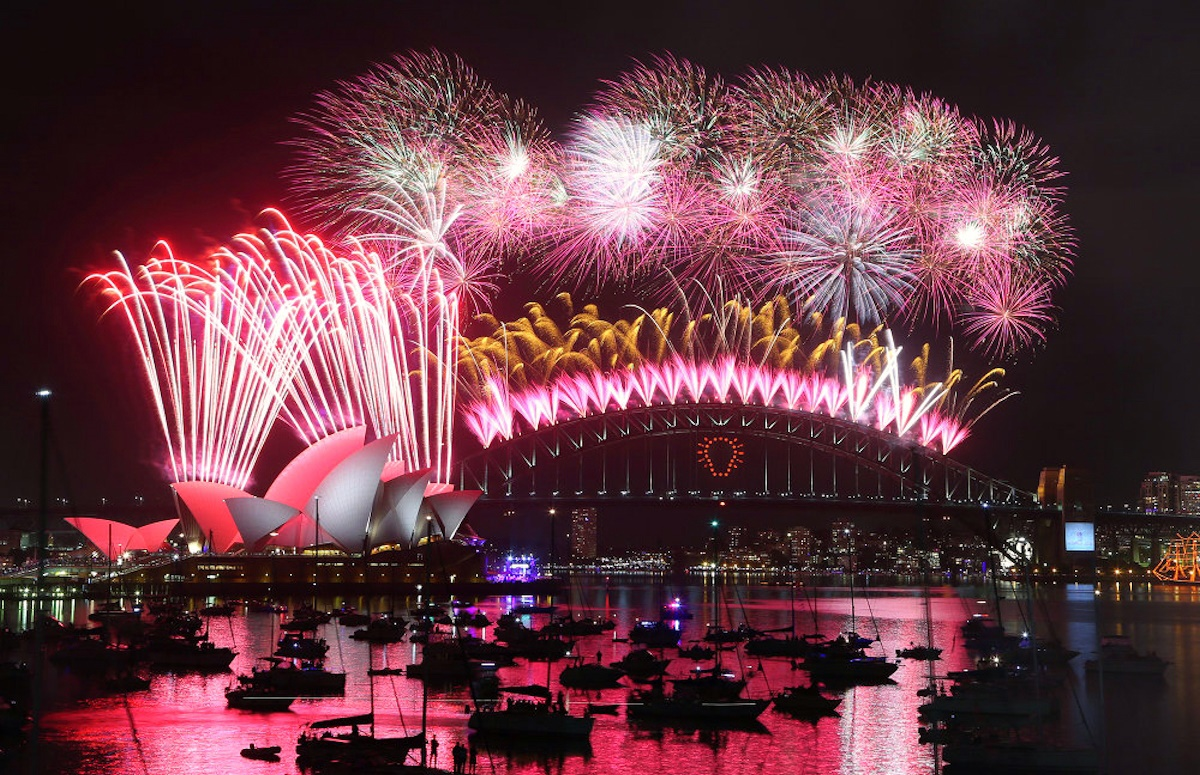00 fireworks new year 12. sydney australia. 02.01.15