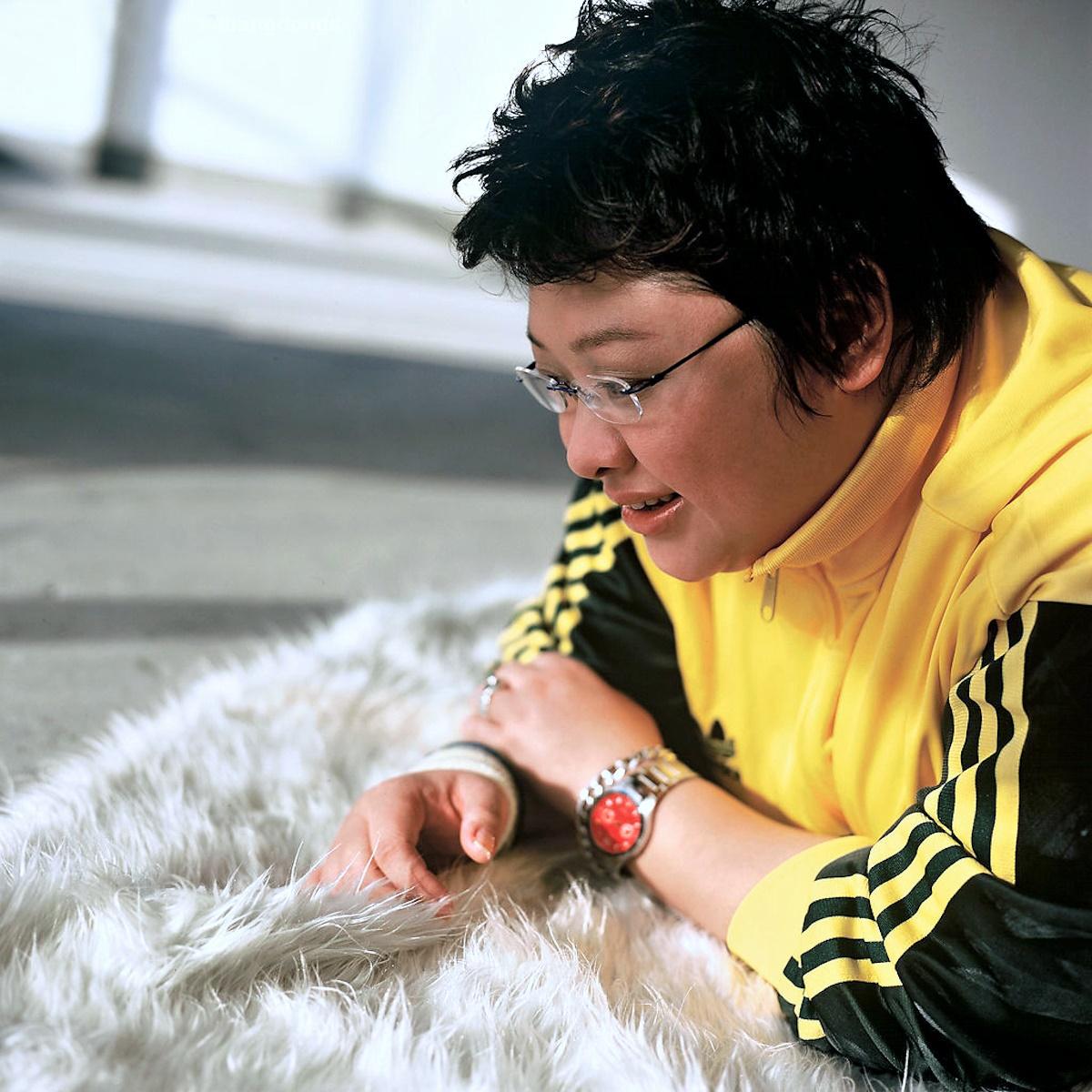 00 Han Hong. China. singer. 14.01.15