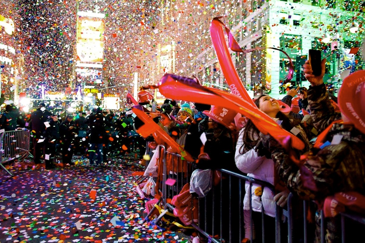 Sputnik international presents happy new year 2015 for What to do around times square