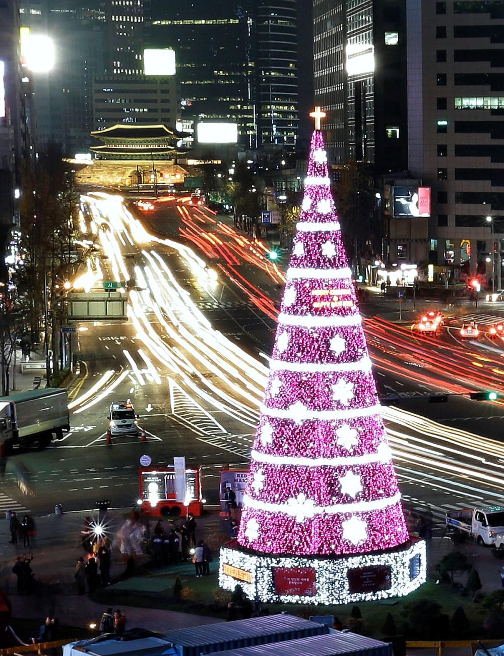 00 New Year Trees 06. Seoul ROK. 01.01.15