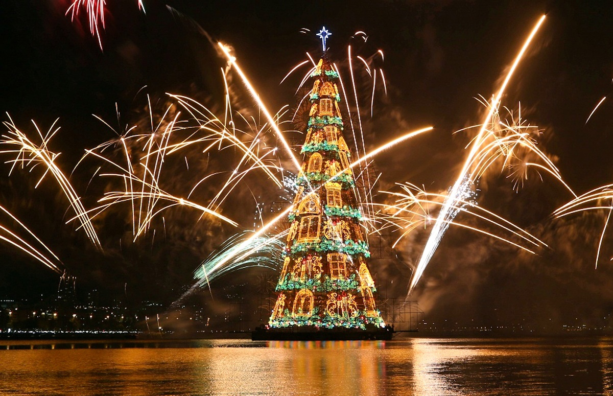 00 New Year Trees 07. Rio de Janeiro Brazil. 01.01.15