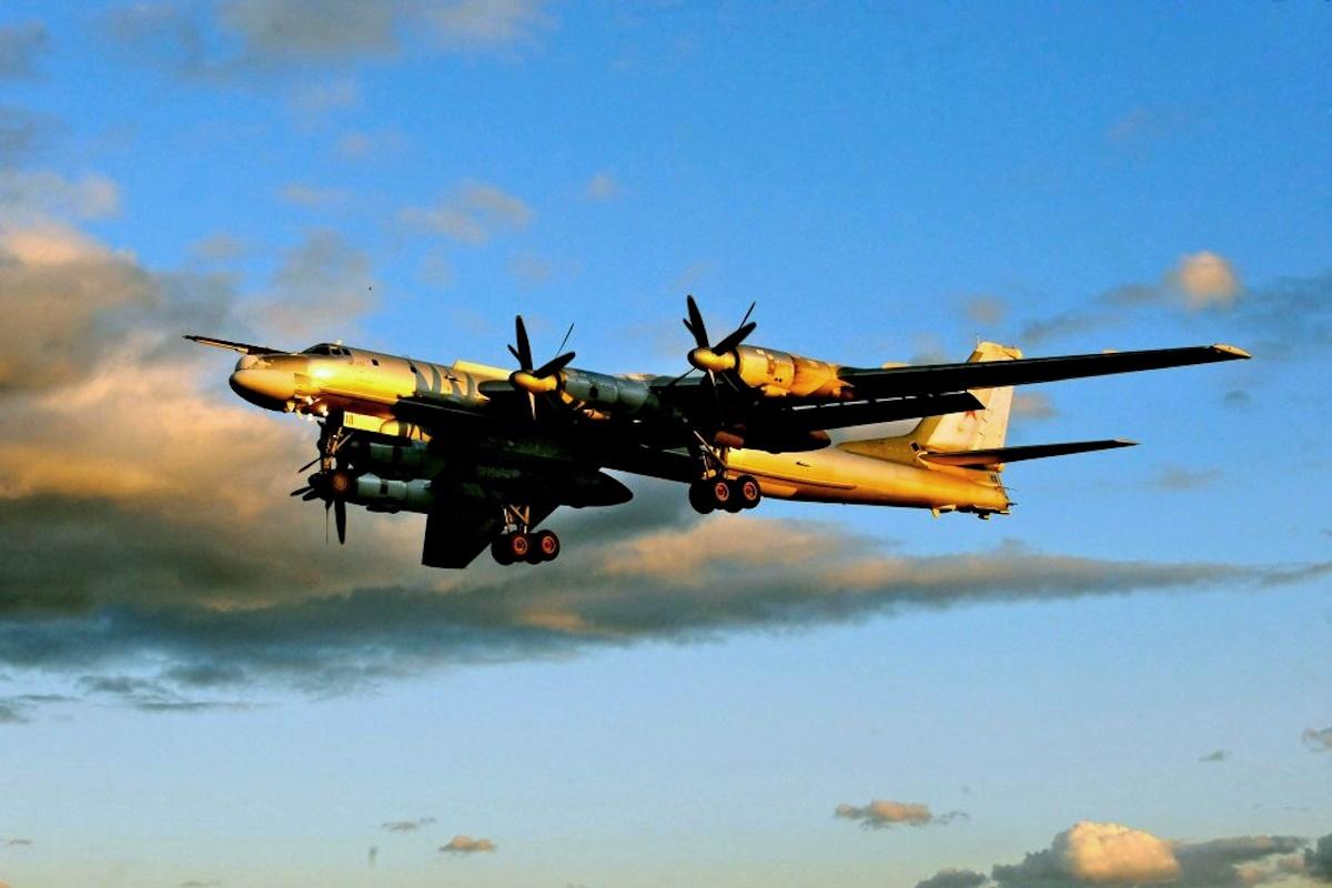 00 russian Tu95MS strategic bomber. 04.01.15