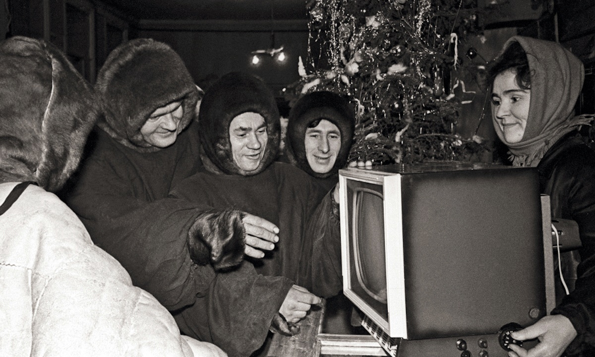 00 Soviet New Year 07. new TV set, 1963. 01.01.15