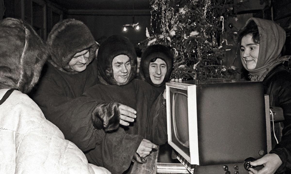 00 Soviet New Year 07. new TV set, 1963. 01.01.15