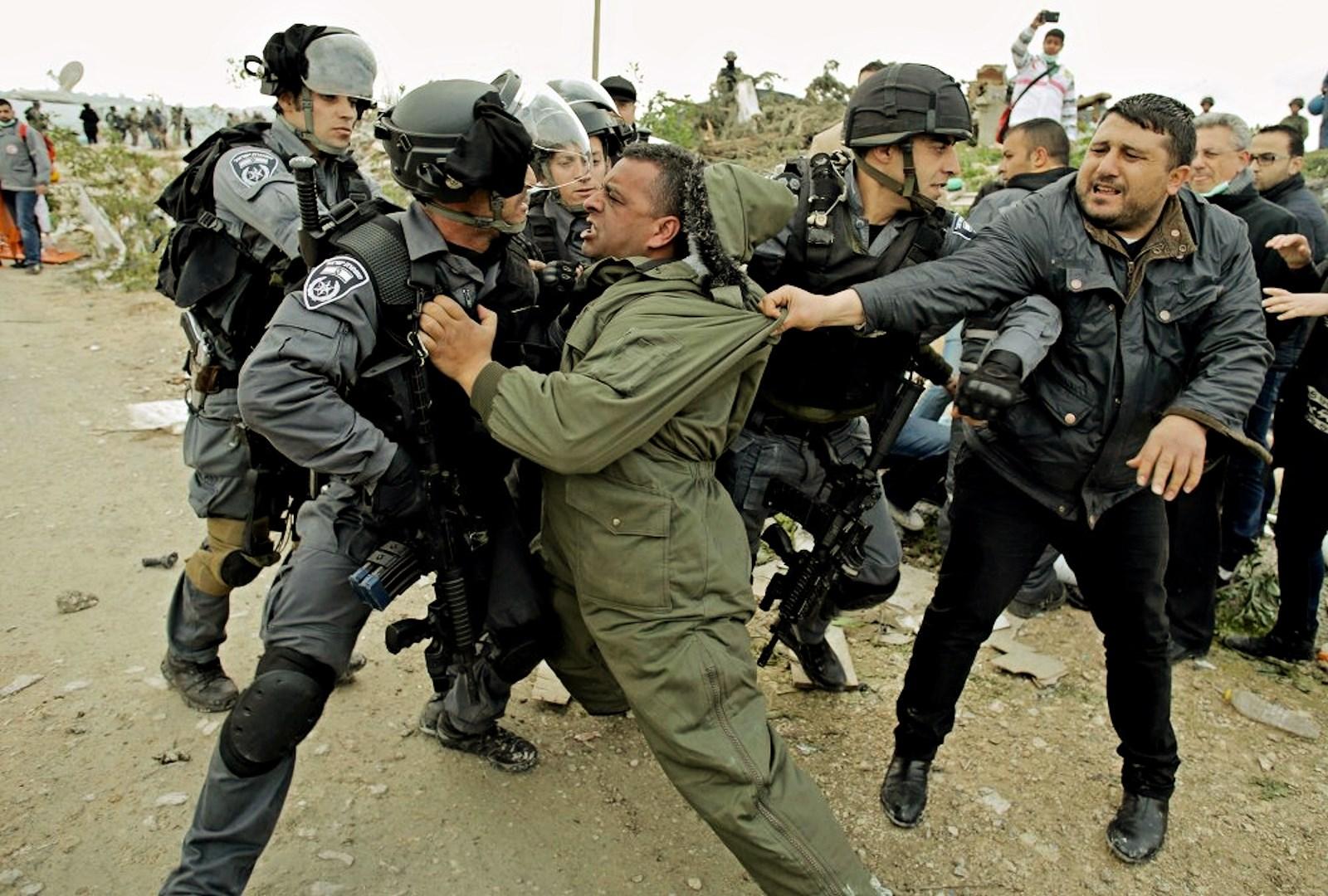 00 israeli pigs rough up palestinians. 27.02.15