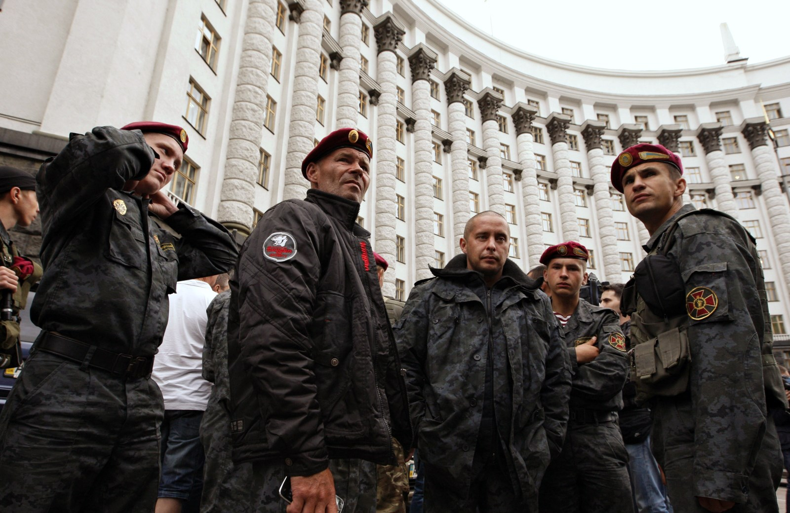 00 junta irregular 'Naional Guard' thugs. 26.02.15