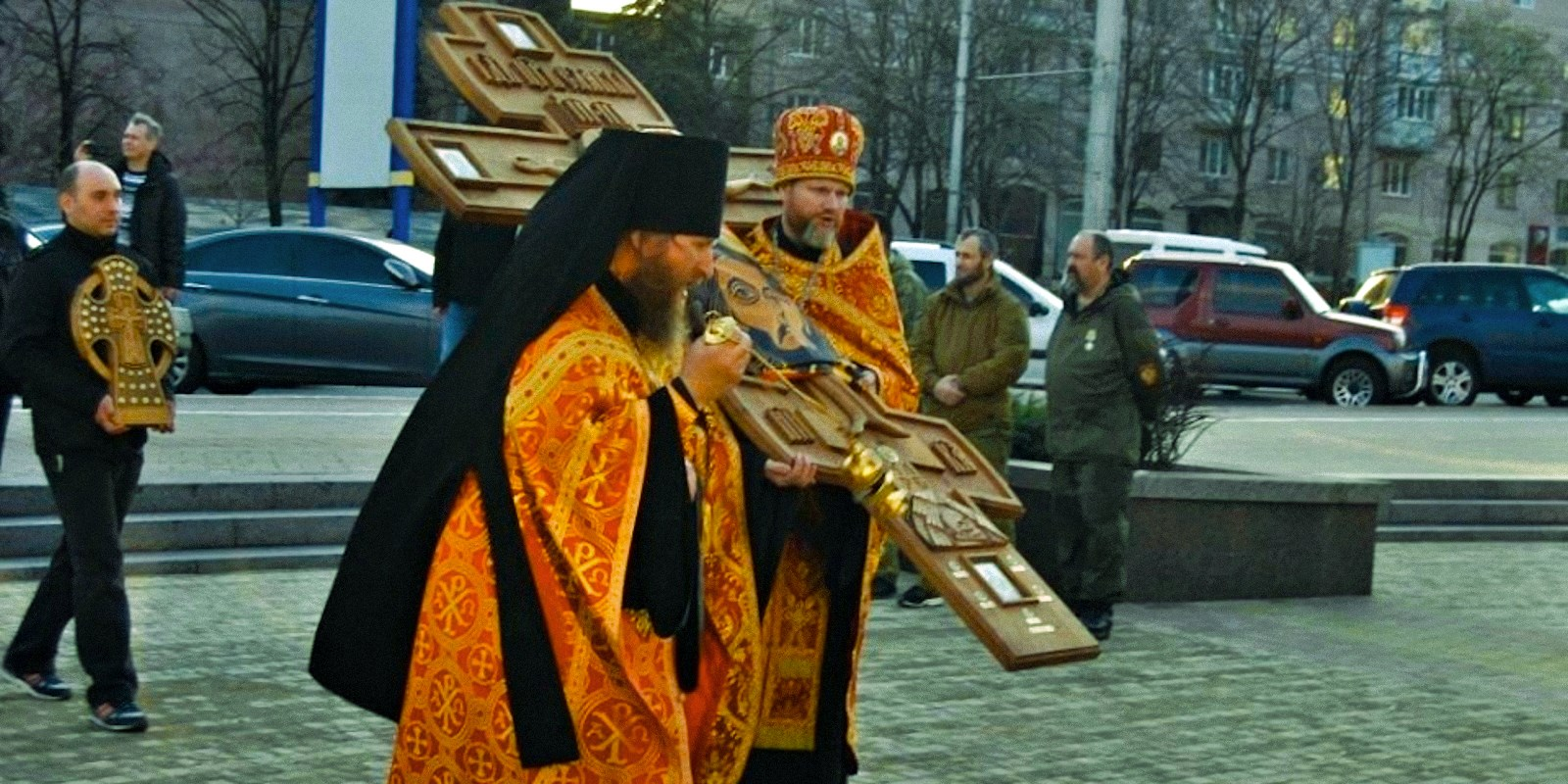 00 donetsk. russian orthodox clergy. 17.04.15