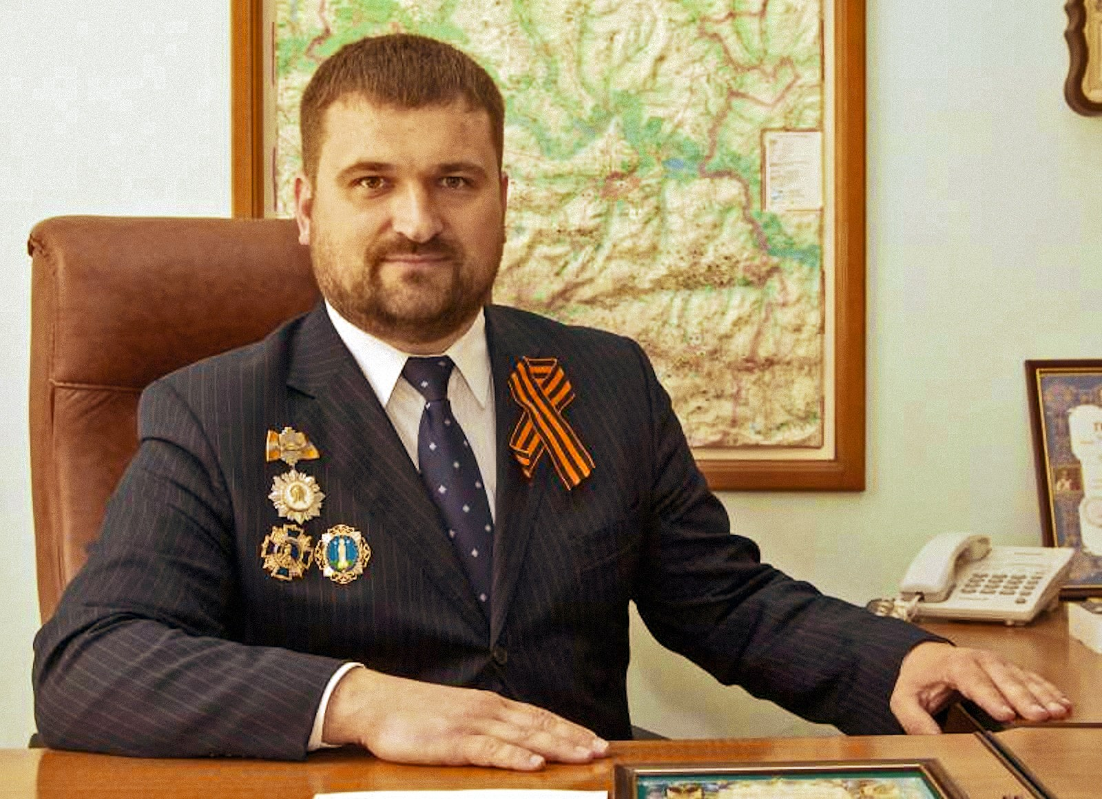 00 lnr lugansk peoples republic official roman cherneshenko 300715