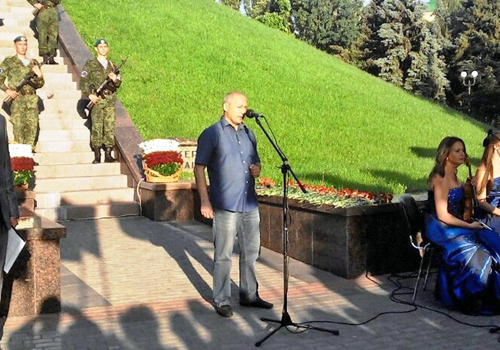 00 monument to the Victims of fascism in Donetsk 05. Armenian community. 110715