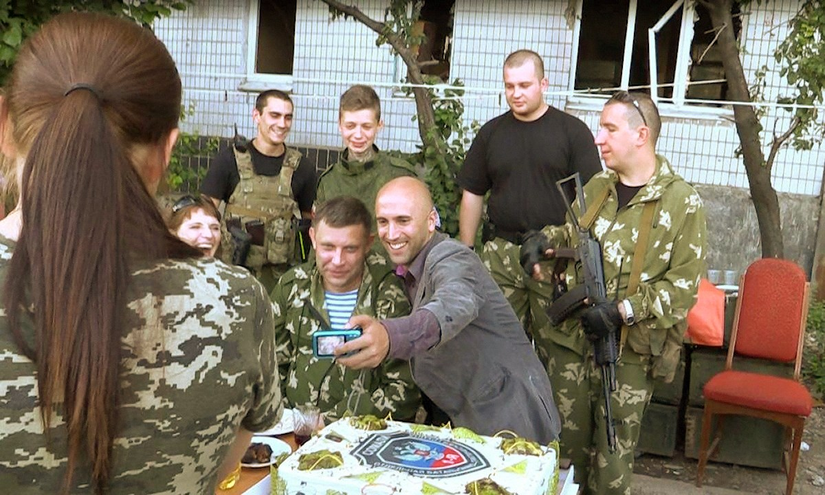 00 zakharchenko and graham phillips. 200715