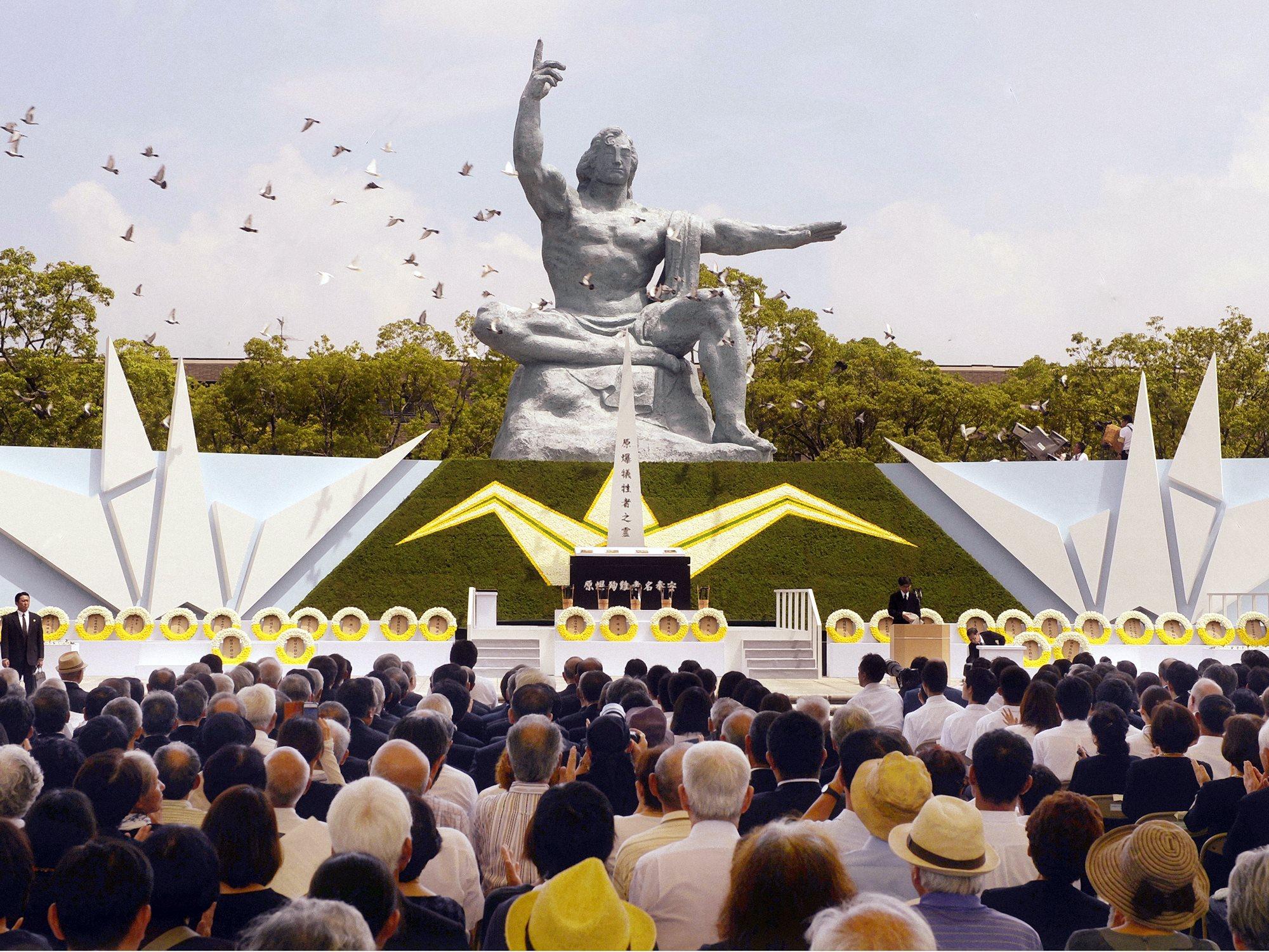 00 nagasaki a-bomb vigil peace park 090815