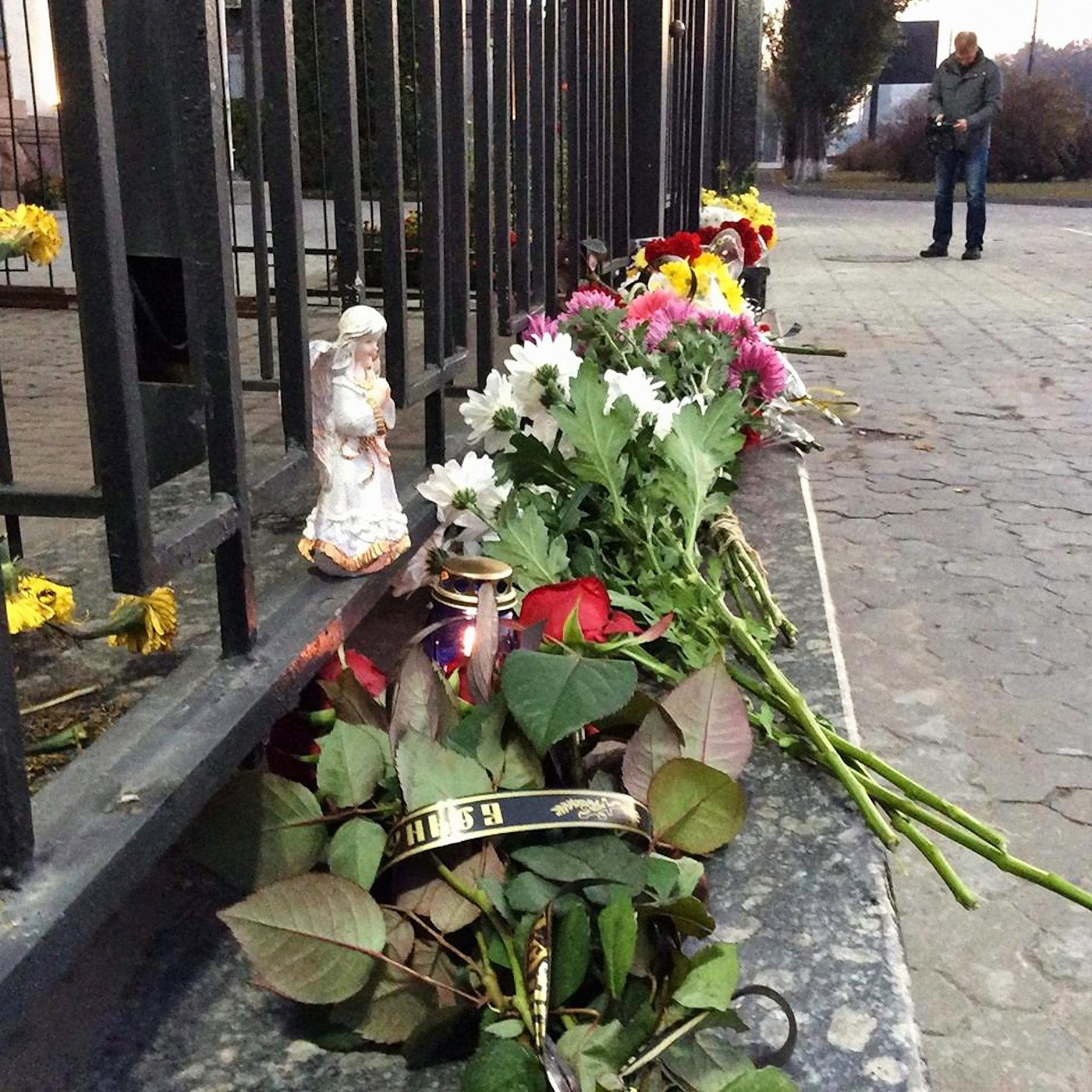 00 kiev embassy russia airliner crash 04 311015