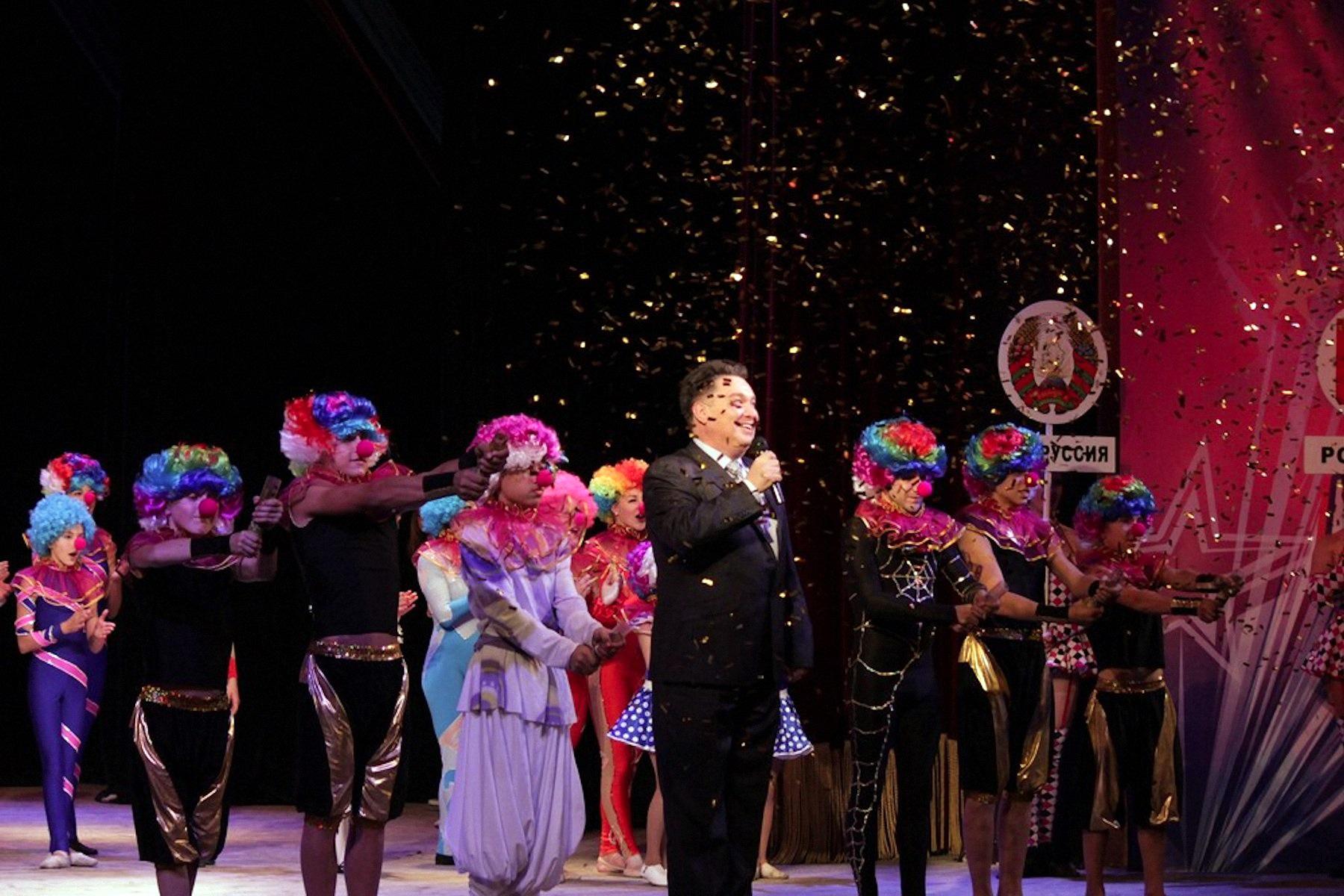 00 lnr lugask pr circus of the future 08 041015