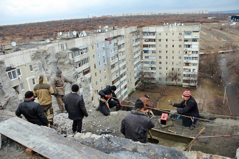 00 lugansk building repairs 021215