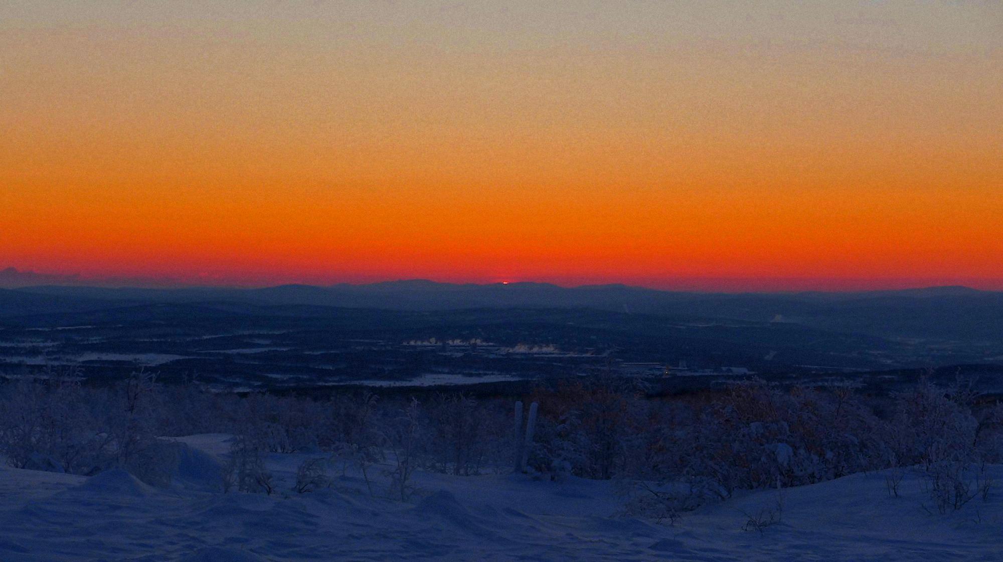 00 polar sunset in Murmansk 061215