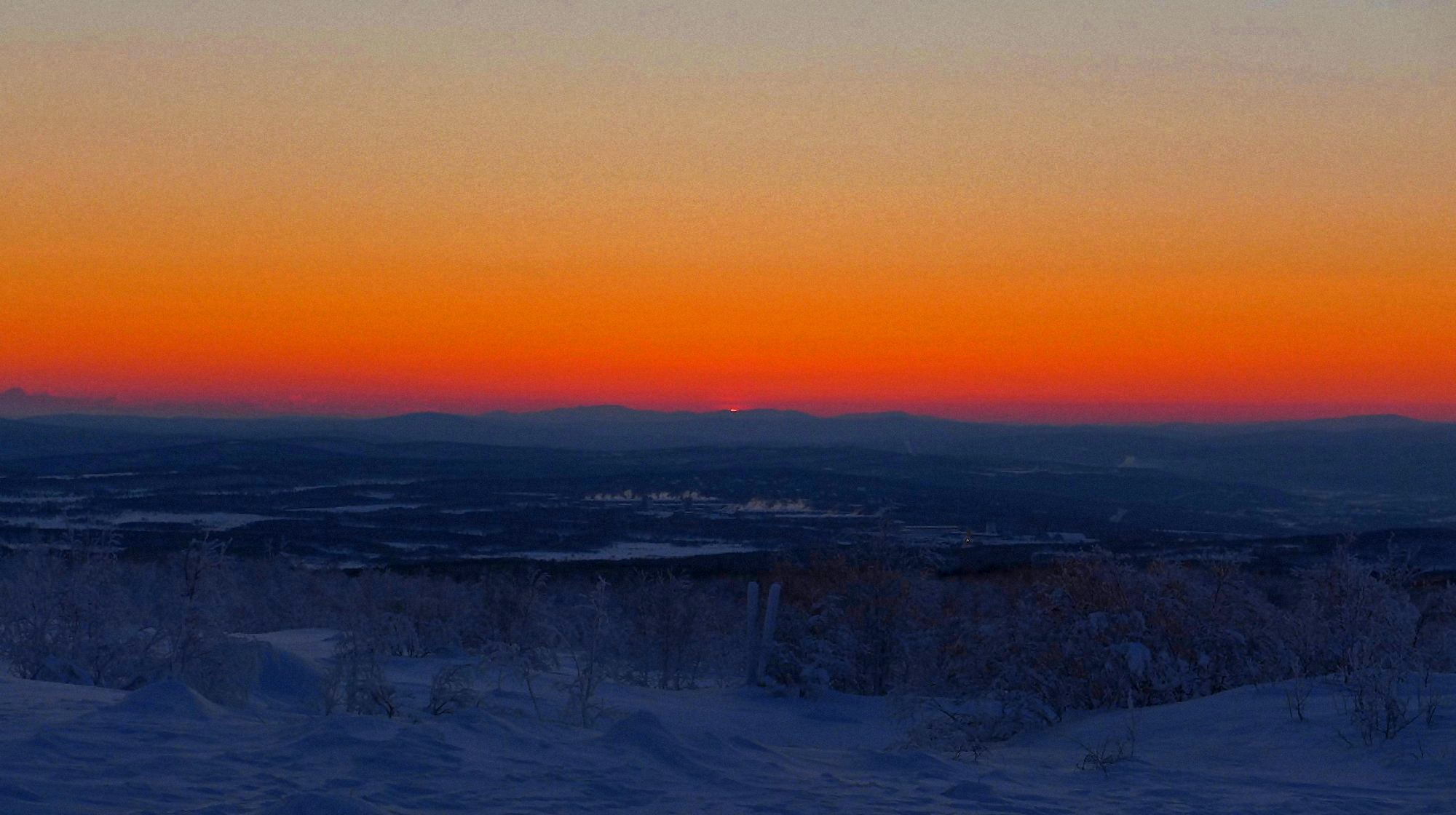 00 polar sunset in Murmansk 061215