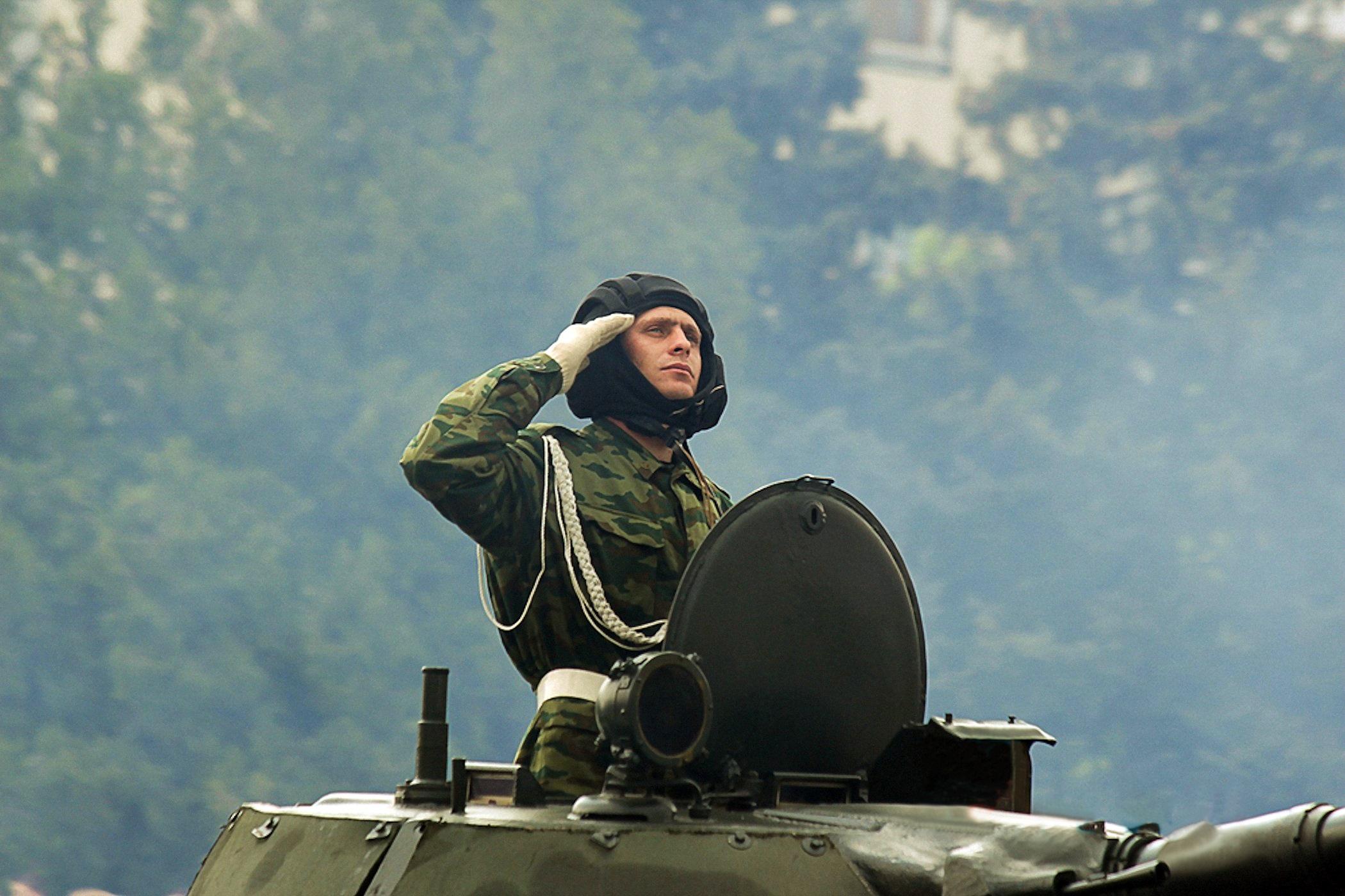 00 LNR 2015 05 soldier