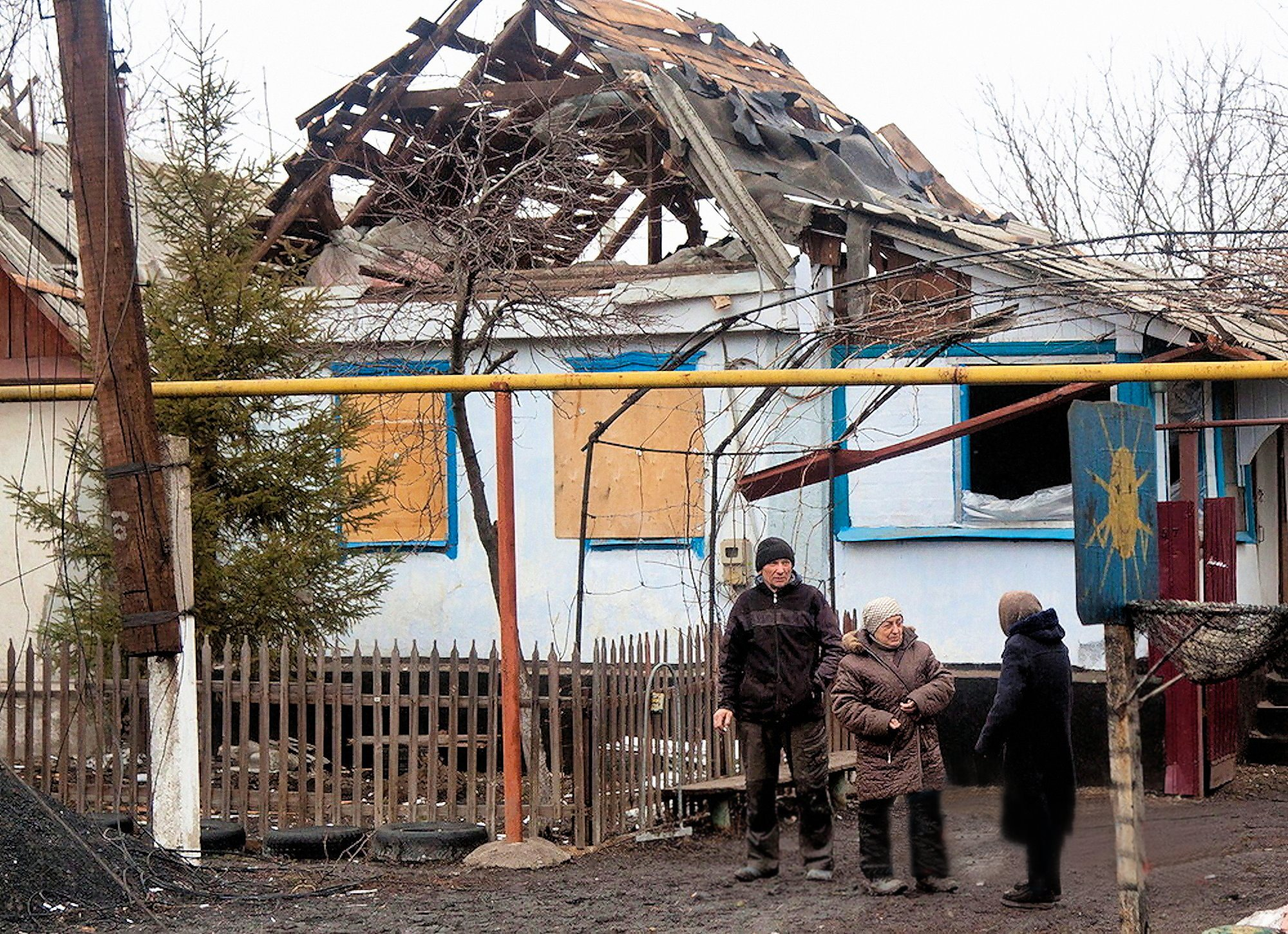 00 LNR 2015 12 damaged house