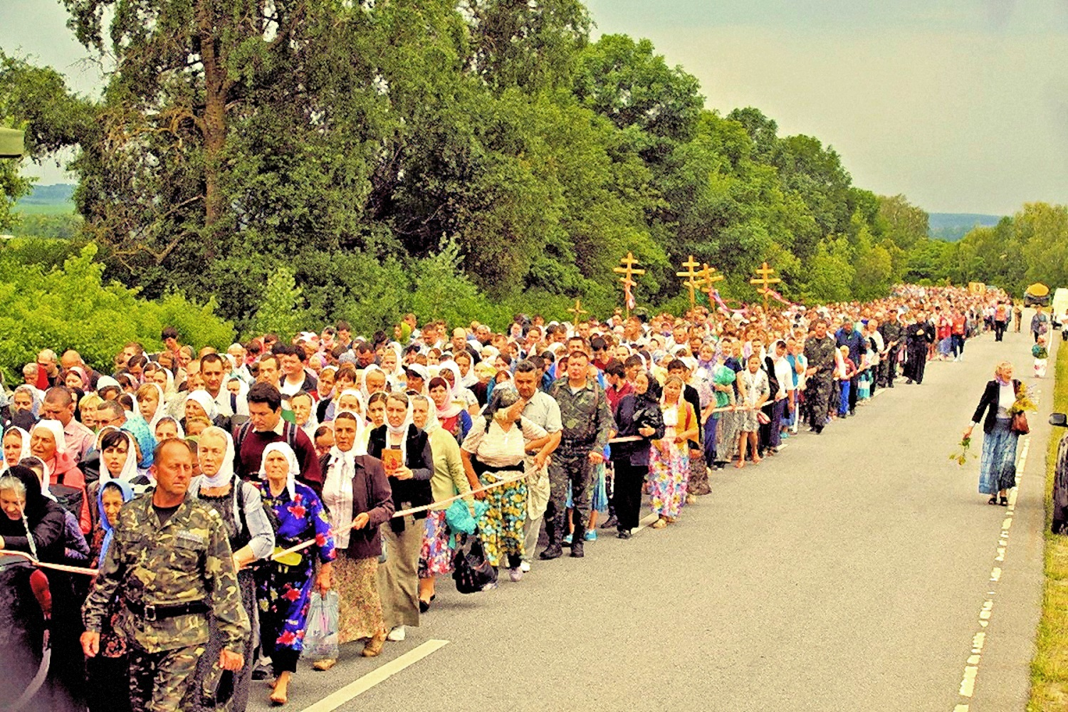 00 cross procession ukraine 130716