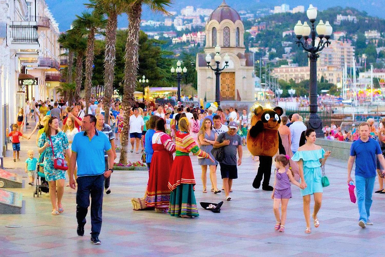 00 Yalta Crimea Russia 040816