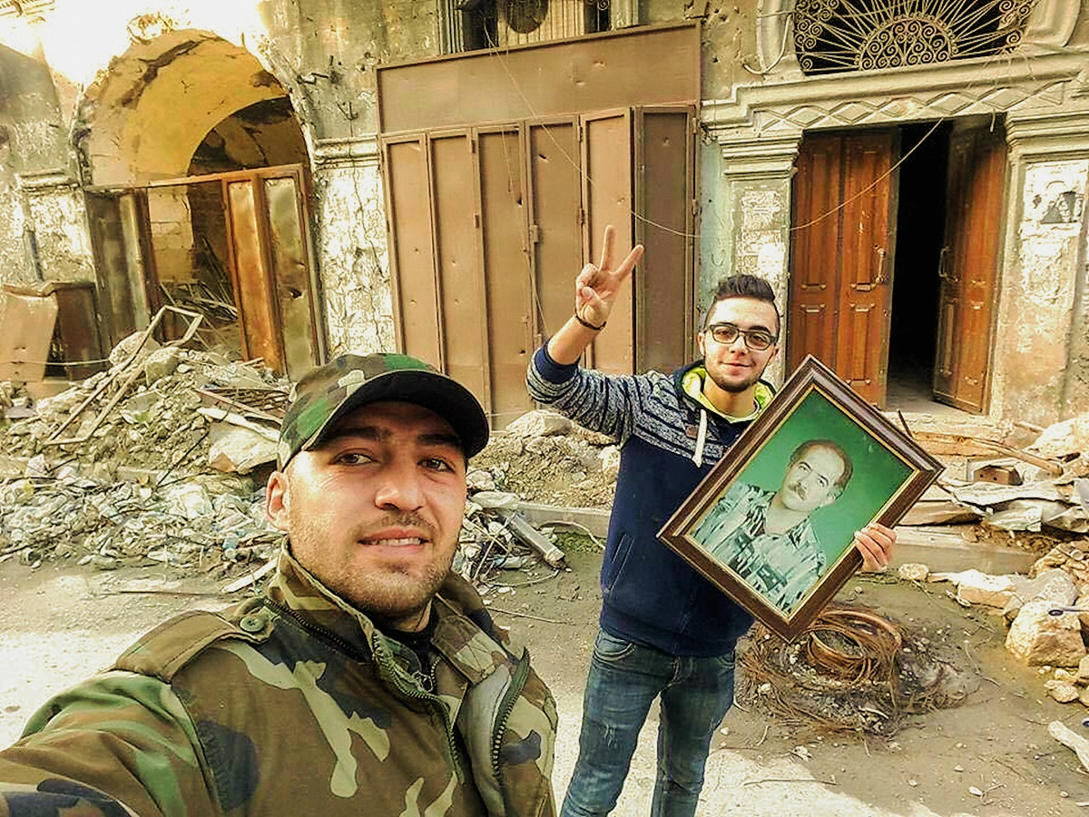 00-aleppo-syria-father-memorial-101216