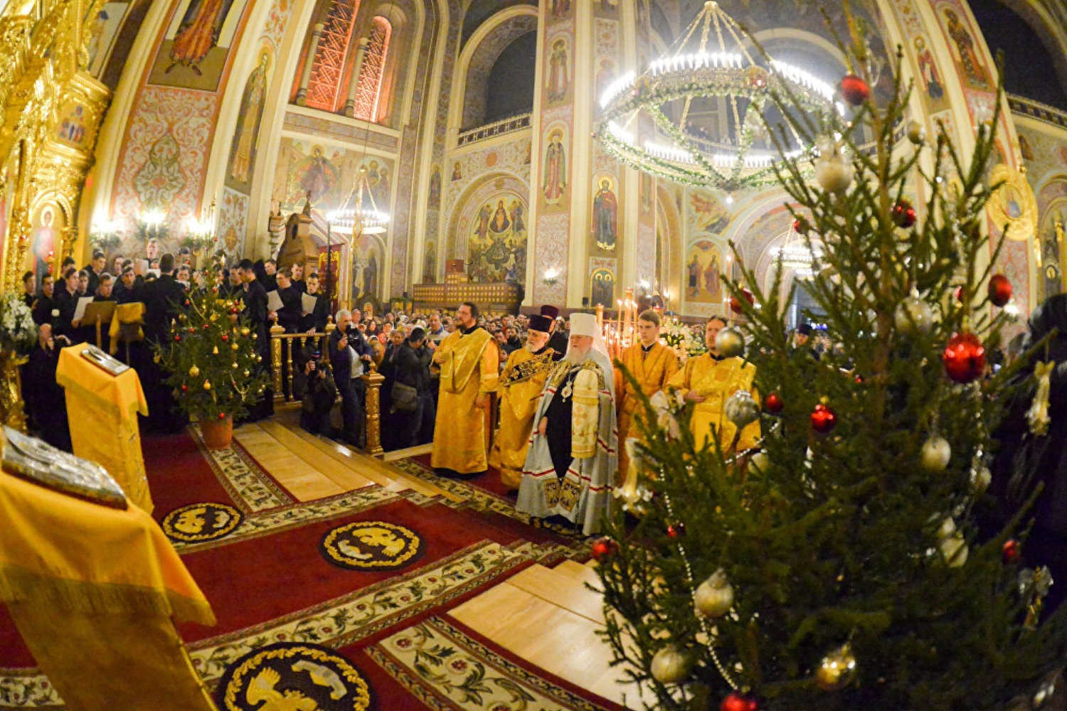 00-russian-orthodox-christmas-05-putin-080117