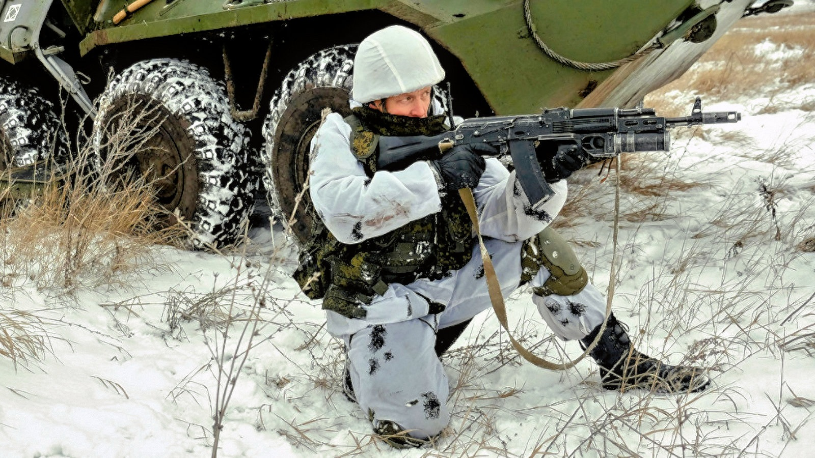 00-russia-soldier-020317